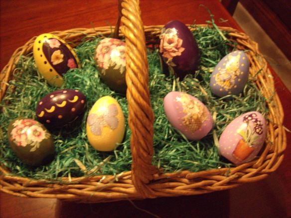 linda-eggs-in-basket